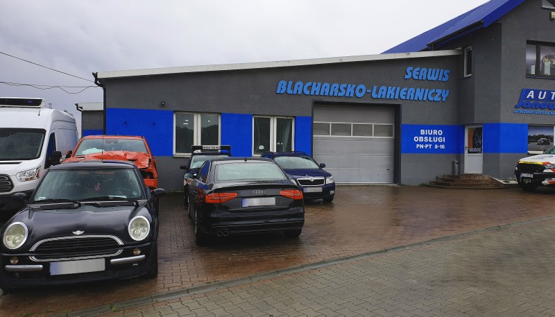 Parking strzeżony dla klientów Zakładu